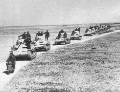 Last photo of the armoured Ariete division before the battle of El Alamein 1942 - italian_front Afrika Corps, German Soldiers Ww2, Italian Army, National History, Tank Destroyer, Ww2 Photos, Military Operations, Ww2 Tanks, Big Guns