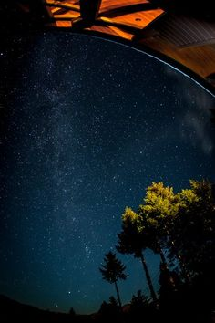 Beginners Tips for Night Sky and Star Photography by Phillip VanNostrand via digital-photography-school