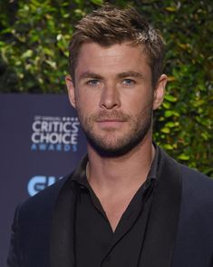 White Hair Highlights, Chris Hemsworth, Marvel, Celebs, Fictional Characters, Characters, Short Hairstyles, Celebrities, Celebrity