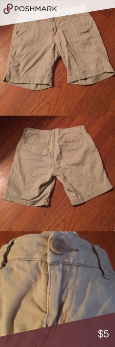 Aeropostale khaki shorts Flat front dark khaki. Would be great for someone that has to wear uniforms to school or work Aeropostale Shorts Bermudas