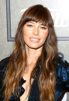 Pictures : Celebrity Hairstyles with Bangs and Layers - Jessica Biel Layered Hairstyle With Bangs Layered Hair With Bangs, Long Hair With Bangs, Easy Hairstyles For Long Hair, Hairstyles With Bangs, Hair Bangs, Wispy Bangs, Layered Hairstyles, Medium Hairstyles, Men's Hair
