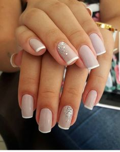 Nail art Christmas - the festive spirit on the nails. Over 70 creative ideas and tutorials - My Nails Classy Nails, Cute Nails, Pretty Nails, My Nails, Natural Wedding Nails, Natural Nails, French Nails, Bridal Nails French, Elegant Bridal Nails