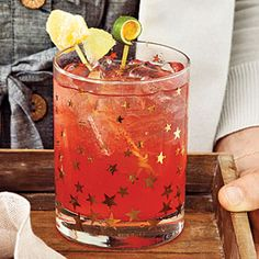 Chucktown Sunrise | MyRecipes.com 2 tablespoons bourbon 1 1/2 teaspoons fresh lime juice 10 ounces ice 6 tablespoons ginger ale or ginger beer  1/4 teaspoon grenadine fresh lime slices or wedges (garnish)