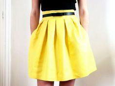 La jupe Chardon version soleil par Bee made - thread Skirt Outfits, Dress Skirt, Dress Up, Diy Fashion, Fashion Beauty, Fashion Design, Simple Wardrobe, Diy Vetement, Couture Sewing