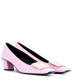 ROGER VIVIER Décolleté Belle Vivier Patent Leather Pumps. #rogervivier #shoes #pumps