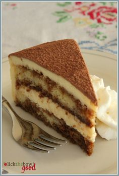 Lick The Bowl Good: A Birthday Cake For My Hubs! Mini tiramisu cake for mothers day (in Polish) . Just Desserts, Delicious Desserts, Yummy Food, Italian Desserts, Italian Tiramisu, Italian Cookies, Sweet Recipes, Cake Recipes, Dessert Recipes