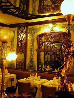 Le Montparnasse art nouveau restaurant