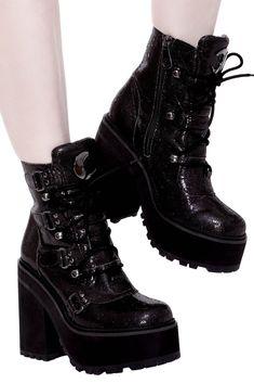 Rider Boots, Combat Boots, Women's Boots, Estilo Punk Rock, Gothic Boots, Punk Shoes, Black Wardrobe, Shoe Show, Boot Shop