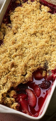 Blackberry and pear crumble - my list of healthy foods Gourmet Recipes, Dessert Recipes, Cooking Recipes, Bbc Recipes, Gourmet Foods, Cooking Bacon, Delicious Deserts, Yummy Food, Recipes