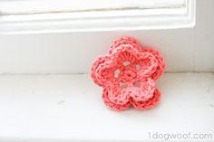 One Dog Woof: 5 Petal Crochet Flower Crochet Puff Flower, Knitted Flowers, Easter Crochet, Crochet Flower Patterns, Crochet Motif, Knit Or Crochet, Crochet Hooks, Simple Crochet, Crochet Stitch