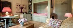 Bed & Breakfast Thecla Renders in Den Bosch   Kamer voor 2 personen vanaf € 90,- exclusief ontbijt. Ontbijt kost € 7,50 per persoon.