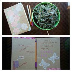 Agenda estampada con sellos y mensajes positivos y decorada con washi tape, para hacer el trabajo más motivante.