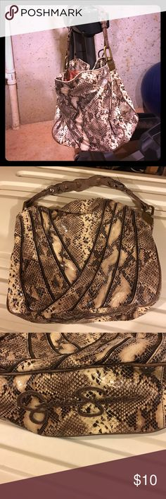 Snakeskin Jessica Simpson Handbag Snakeskin Jessica Simpson handbag. Strap needs to be repaired. Inside of purse is in great condition.  #JessicaSimpson #Purse #Handbag #Snakeskin #handleneedsrepair Jessica Simpson Bags Shoulder Bags