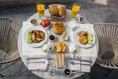Santorini Hotels, Greece Hotels, Santorini Island Greece, House Restaurant, Hotel S, Greek Recipes, Greece Travel, Greek Islands, Best Hotels