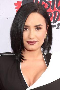 Mylena Matos: As melhores makes do iHeartRadio Music Awards - Demi Lovato