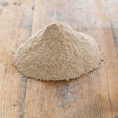 Harina integral superfina de Trigo candeal Tienda Oeste. El trigo candeal es un pilar de la dieta mediterránea y fuente de energía. Posee una interesante cantidad de proteínas cuyas características son únicas.