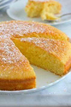 Si vous aimez le citron, vous allez vous régalez avec ce gâteau moelleux au citron. Il est facile à faire. Parfait pour le goûter.