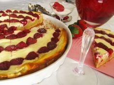 Tvarohový koláč z jogurtového cesta | Míniny recepty Czech Recipes, Sweet Cakes, Pepperoni, Pizza, Desserts, Food, Tailgate Desserts, Deserts, Meals