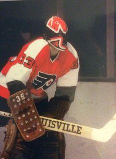Flyers Players, Flyers Hockey, Ice Hockey Teams, Bruins Hockey, Hockey Goalie, Hockey Games, Hockey Players, Philadelphia Flyers, Nhl