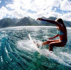 Surf :: Ride the Waves :: Free Spirit :: Gypsy Soul :: Eco Warrior :: Surf Girls :: Seek Adventure :: Summer Vibes :: Surfboard Design + Style :: Free your Wild :: See more Surfing Inspiration Surf Mode, Belle Villa, Surf Style, Surfboards, Surf Girls, Surfs Up, Beach Bum, Ocean Beach, Island Life