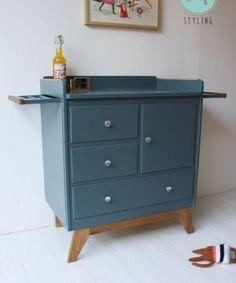 Old Desks, Desk Makeover, Baby Shower Diapers, Upcycled Furniture, Furnitures, Baby Room, Kids Room, Recycling, Interior