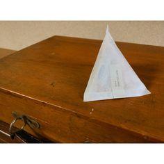手持ちの袋で作れるよ!「テトラ型ラッピング」でパッケージ♪かわいく贈るアレンジ術10選 - CRASIA