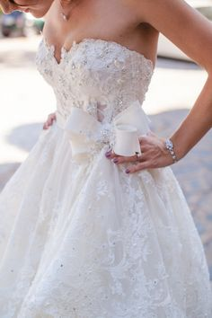 Sparkly lace Pnina Tornai gown: http://www.stylemepretty.com/2015/02/09/colorful-chic-spanish-villa-wedding/ | Photography: Sandra Aberg - http://wedding.sandraaberg.com/