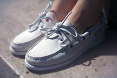 """Cool Cats x Sebago """"Club 75 Docksides"""" Pump Shoes, Loafer Shoes, Pumps, Casual Sneakers, White Sneakers, Dockside Shoes, Narrow Shoes, Fashion Shoes, Mens Fashion"""