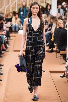 #Tod's #FW2016_17 #MFW #Milano #Catwalk #readyToWear #trends #checkered #rompers #baggy #fringe #capri