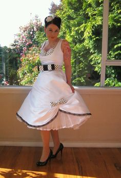 In this post we want to tell you about the White pin up wedding dresses. See photos of White pin up wedding dresses, leave your comments and share them with friends. Rockabilly Wedding Dresses, 50s Wedding, Dream Wedding, Vegas Wedding Dresses, Wedding Ideas, Summer Wedding, Wedding Reception, Wedding Gowns, Wedding Photos
