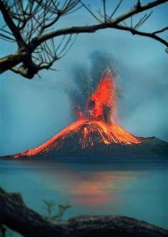Krakatoa, or Krakatau, in the Sunda Strait between the islands of Java and Sumatra in Indonesia. See a volcano All Nature, Science And Nature, Amazing Nature, Volcan Eruption, Beautiful World, Beautiful Places, Beautiful Smile, Fuerza Natural, Natural Phenomena