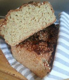 Enkelt og supergodt lavkarbobrød. (DAMER-for faen)