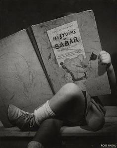 Rose Nadau, Histoire de Babar, 1948 on ArtStack People Reading, Kids Reading, I Love Books, Books To Read, My Books, Robert Doisneau, Tanz Poster, Old Photos, Vintage Photos