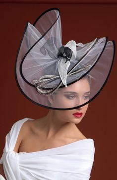 Facinator Hats, Sinamay Hats, Millinery Hats, Fascinators, Chapeaux Pour Kentucky Derby, Kentucky Derby Hats, Fascinator Hairstyles, Fancy Hats, Church Hats