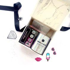 Treat the ones you love the most with a box full of magic!! // Encuentra las mejores opciones de regalo para tu amigo secreto y tus personas favoritas en www.toystyle.co #toystyle #tomyfav #soycandle #healthy #nailpolish #light #holographic #patches #pocketnotebooks #pens #ultrapink #cottoncandy #camouflage #atlanticblue