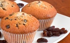 Breakfast: Epicure's Yummy Applesauce Muffins calories/serving) serve with Greek yogurt Sunday Recipes, Lunch Box Recipes, Easy Brunch Menu, Nutella, Epicure Recipes, Applesauce Muffins, Simple Muffin Recipe, Clean Eating Breakfast, Muffin Recipes