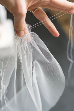 I made my own wedding veil...check out my tutorial for how you can make your own veil, too! Easy for beginners |  diy wedding, make a veil, how to make a veil, budget wedding, make a veil easy