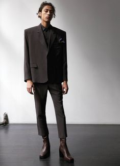 Max Fieschi wears a boxy number by Balenciaga. David Sims, Vman Magazine, Unisex Fashion, Mens Fashion, Balenciaga Mens, The Fashionisto, Office Looks, Love Fashion, Fashion Design