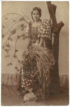 1930s Philippine FARM GIRL IN FILIPINIANA JD Cruz RPPC   eBay Philippines Culture, Philippines Travel, Philippines People, Philippines Fashion, Manila Philippines, Vintage Photographs, Vintage Photos, Filipiniana Dress, Tattoo Son