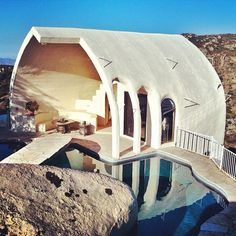 . Amazing Architecture, Architecture Design, Tiny House, Unusual Homes, Inside Outside, Natural Building, Earthship, Interior And Exterior, Behind The Scenes