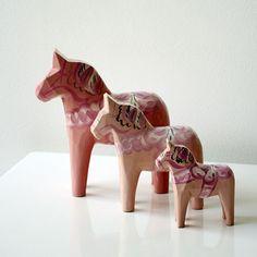 Set of Pale Pink Dala Horses | The Swedish Wooden Horse Company