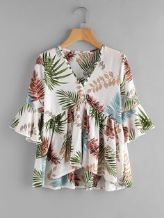 SheIn offers Random Leaf Print Flute Sleeve Dip Hem Blouse & more to fit your fashionable needs. Look Fashion, Trendy Fashion, Fashion Outfits, Fashion Design, Blouse Styles, Blouse Designs, Le Polo, Sleeves Designs For Dresses, Blouse Online
