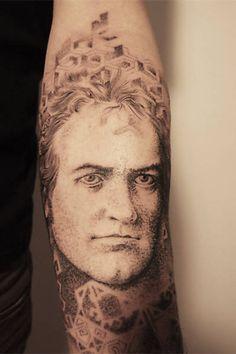 Pontilismo? Tatuador em São Paulo, Paraíso. http://fotografia.folha.uol.com.br/galerias/7642-gregorio-marangoni#foto-148661