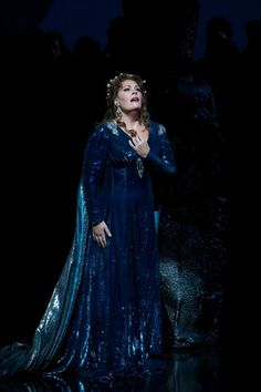 Norma: The San Francisco Opera season opens with soprano Sondra Radvanovsky in the title role of Bellini's bel canto masterpiece. Opera Music, Opera Singers, Renee Fleming, Singer Costumes, Ballet Performances, Metropolitan Opera, Radio City Music Hall, Classical Music, Montages