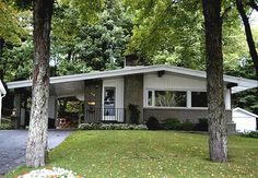 Contempo House in Sault Saint Marie - Mid Century Modern. Just like the homes I grew up around...love this!
