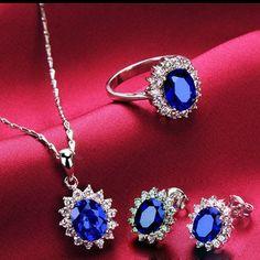 $170.29 Dresswe.comサプライ品女性のための優雅なクラシックデザインサファイアクリスタルジュエリーセット(スタッドのイヤリング、ネックレス、指輪)