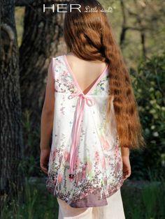 HER Little world, Patron de couture pour vêtement enfant, robe Enjouée