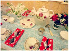 Afternoon tea - vintage china at Buy My Dress Waterford Vintage China, Afternoon Tea, I Dress, Tea Pots, Table Settings, Lace Table, Table Decorations, Sweet, Ribbon