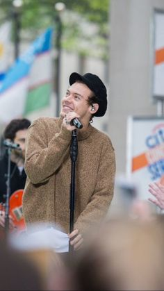 Harry Styles in Today Show-9//May//17