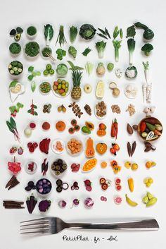 Daily Miniature Roots, Veggies & Fruit — 100 days of miniature daily days of miniature daily sculptures! I can't express my joy in words :)Polymer clay sculptures by Stéphanie Kilgast aka PetitPlat - www.Use Photoshop to cut out fork a Polymer Clay Sculptures, Polymer Clay Miniatures, Polymer Clay Charms, Polymer Clay Creations, Sculpture Clay, Dollhouse Miniatures, Fruit Sculptures, Miniature Crafts, Miniature Food